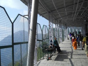 way to Vaishno Devi Temple
